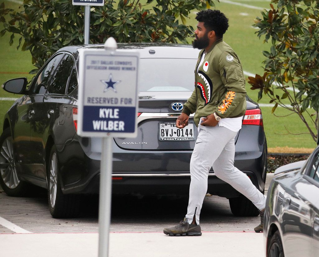 Ezekiel Elliott Returns To Cowboys Hq After Suspension Dez