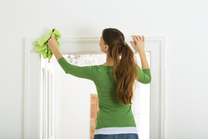 Easy Ways To Keep Your Walls Woodwork Clean