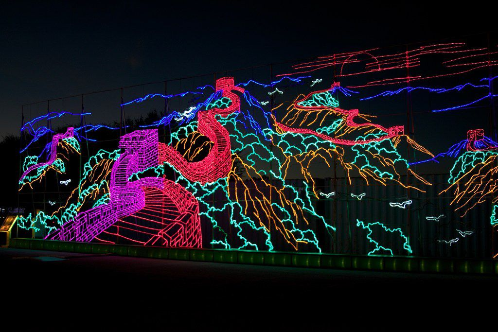 Huge new holiday light displays headed for Dallas, Arlington and