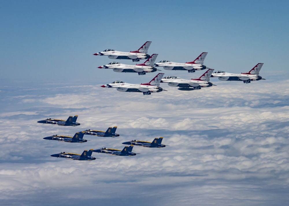 Everything To Know About The Fighter Jets In The America Strong Flyovers Popular Science