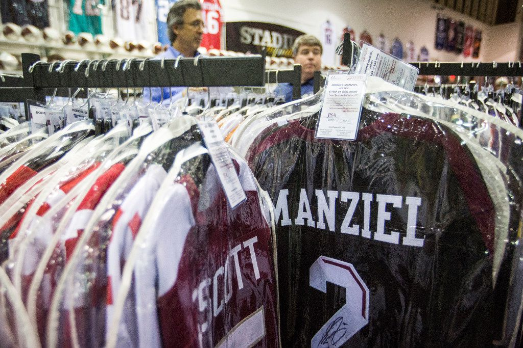 cheap for discount 91f4c 2de23 Police investigating theft of stolen Johnny Manziel jersey ...